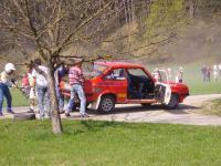 ford-escort-wird-handisch-hochgehoben.jpg