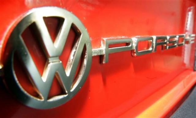 vw-porsche-emblem.jpg