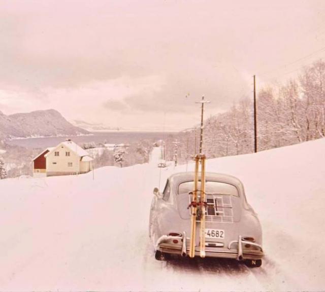 porsche-356-im-winter-mit-skier.jpg