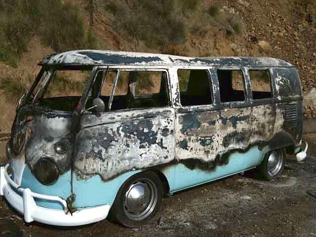 vw-bus-t1-abgebrannt.jpg