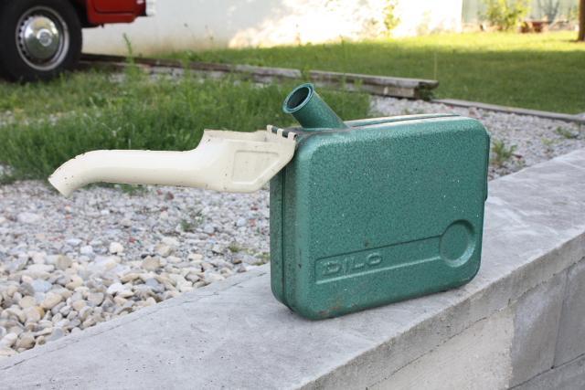 5-liter-benzinkanister-dilo2.JPG