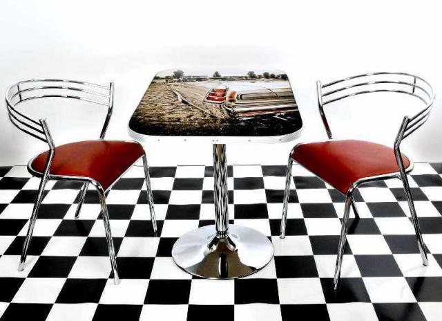 us-car-motiv-diner-tisch-50er-jahre-style.jpg