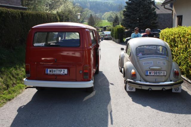 VW Käfer 1302 trifft auf VW Bus T2
