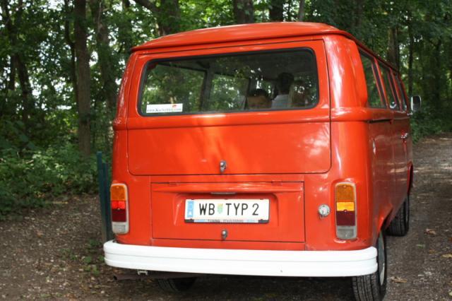 Safari, Fahrt im Gelände und durch Wasser im VW Bus T2