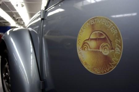 VW Weltmeister Logo Emblem 1972