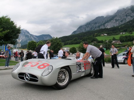 Mercedes-Benz-300-SLR-Chopard-GP-Start
