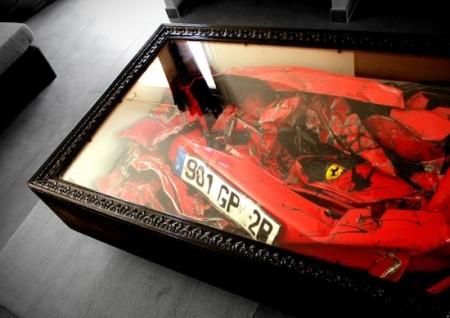 Ferrari gecrasht Unfall Couch Tisch