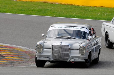 Mercedes-Benz Classic fährt in Rennserie Youngtimer Trophy