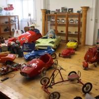 Oldtimertreff Spielzeug Blechspielzeug Roller Tretauto Oldtimermuseum