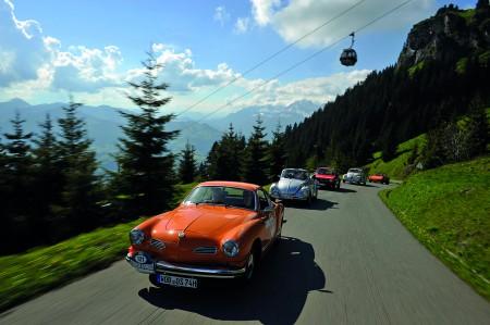 Kitzbüheler Alpenrallye als rollendes Automobilmuseum