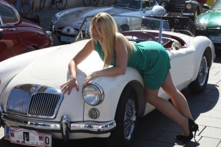 Oldtimerfahrt Schloss Spiele Kobersdorf Die Dame vom Maxim