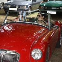Oldtimertreffen Pinkafeld 2013 Frauen in Autos