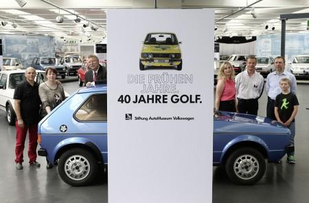 VW Golf wird 40 Jahre daher Jubiläums-Ausstellung im AutoMuseum von Volkswagen