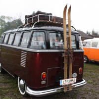VW Bus Camp Out 2014 T1 Samba Bus Koffer Skier