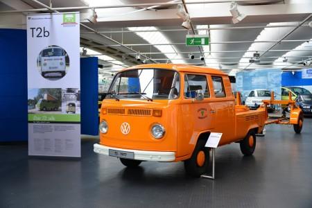 Doppelkabinen-Fahrzeug T2b mit Langgutanhänger