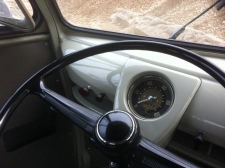 VW Bus Doppelkabine Tacho Innenraum