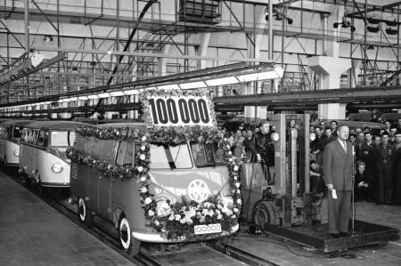 1954 rollt 100 000ste Typ 2 Band